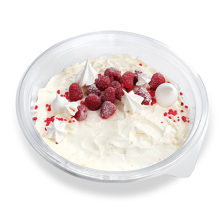 White chocolate mousse with raspberries