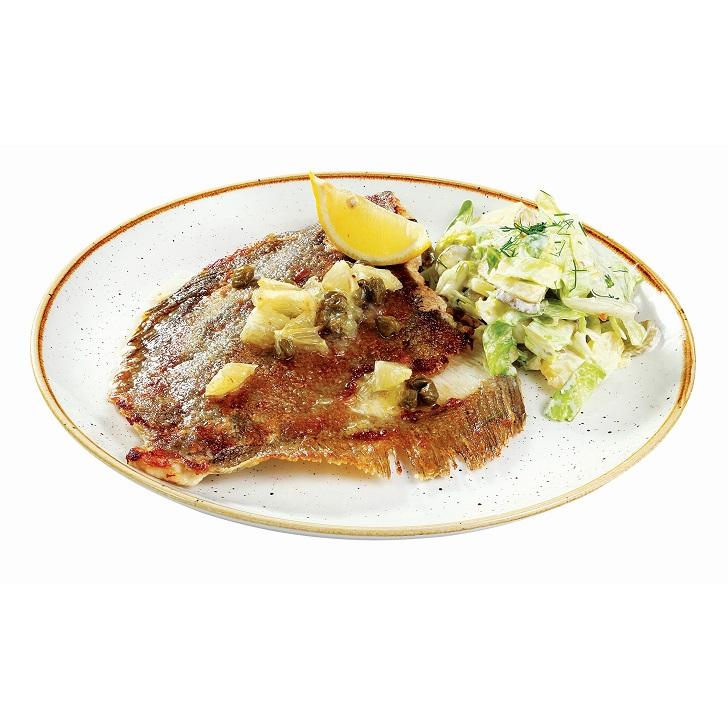 Камбала с маслом из лимона и каперсов с холодным картофельно-огуречным салатом