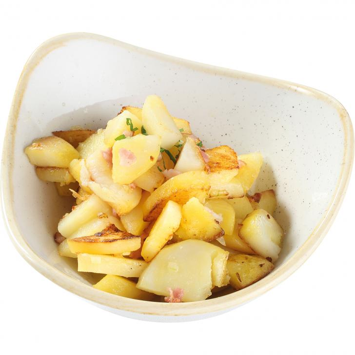 Cepti kartupeļi ar sīpoliem un bekonu