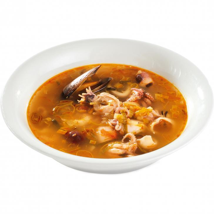 Французский овощной суп-бульон с морепродуктами