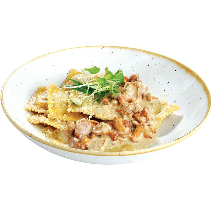 Chanterelle - boletus ravioli with chanterelle sauce