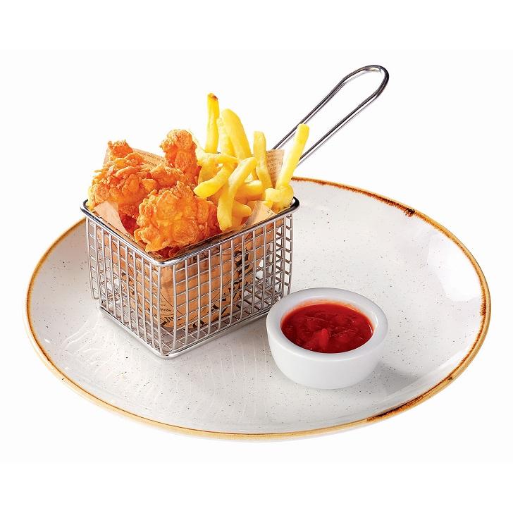 Kraukšķīgais McCālis ar frī kartupeļiem un kečupu