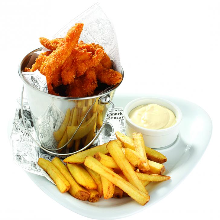 Crispy chicken strips with French fries and mayonnaise