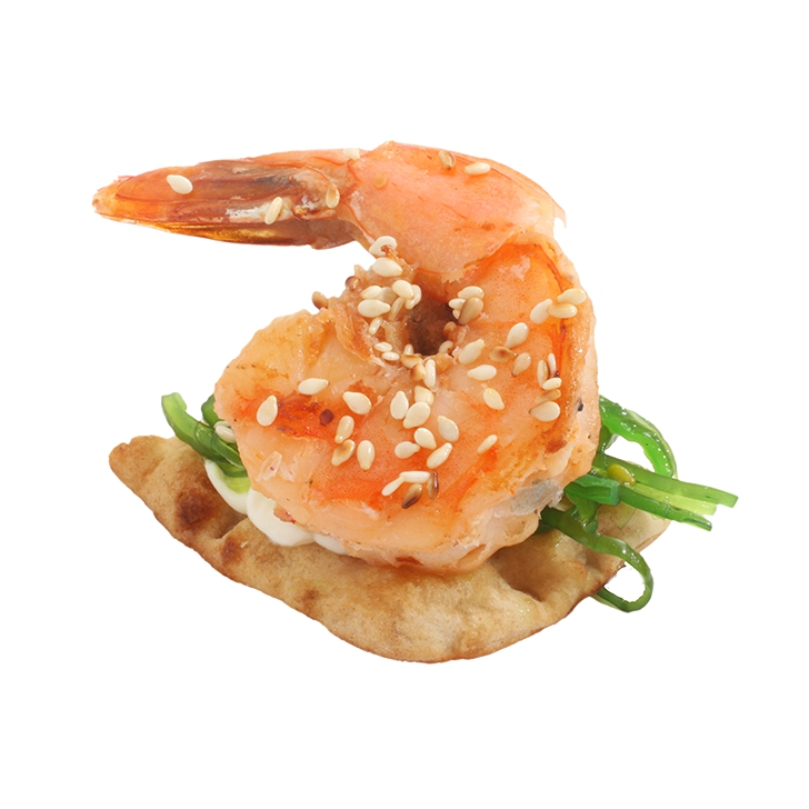 Canapes with Kaiso salad with fried, marinated tiger shrimp