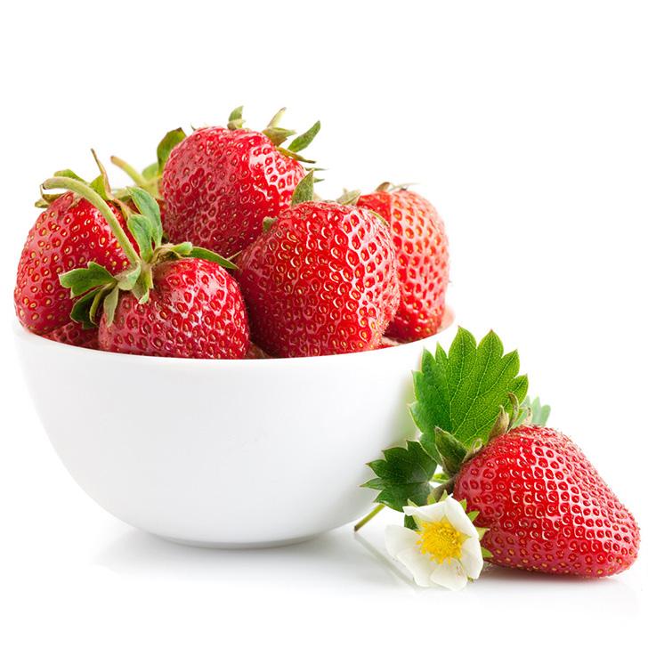 Strawberries with Mascarpone cream and Italian cookies
