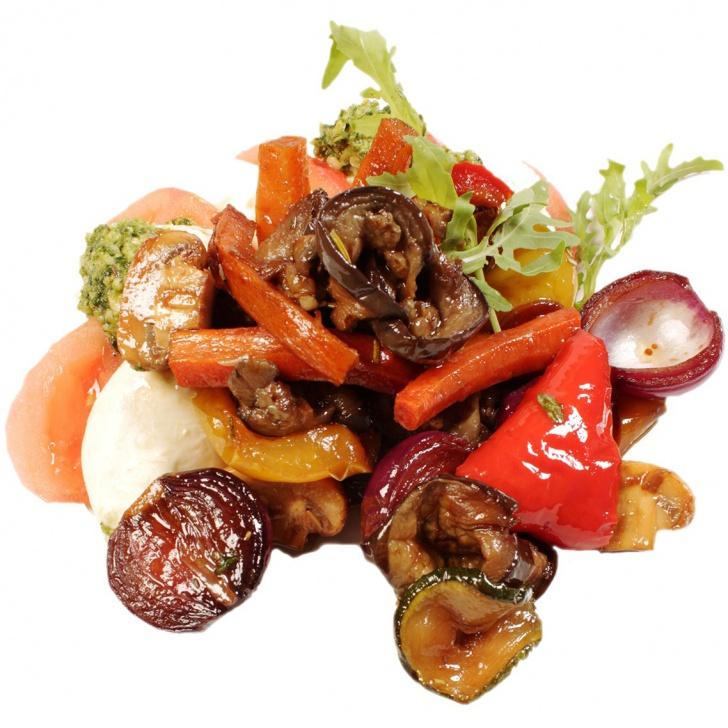 Mozarella ar tomātiem un marinētiem balzamiko dārzeņiem