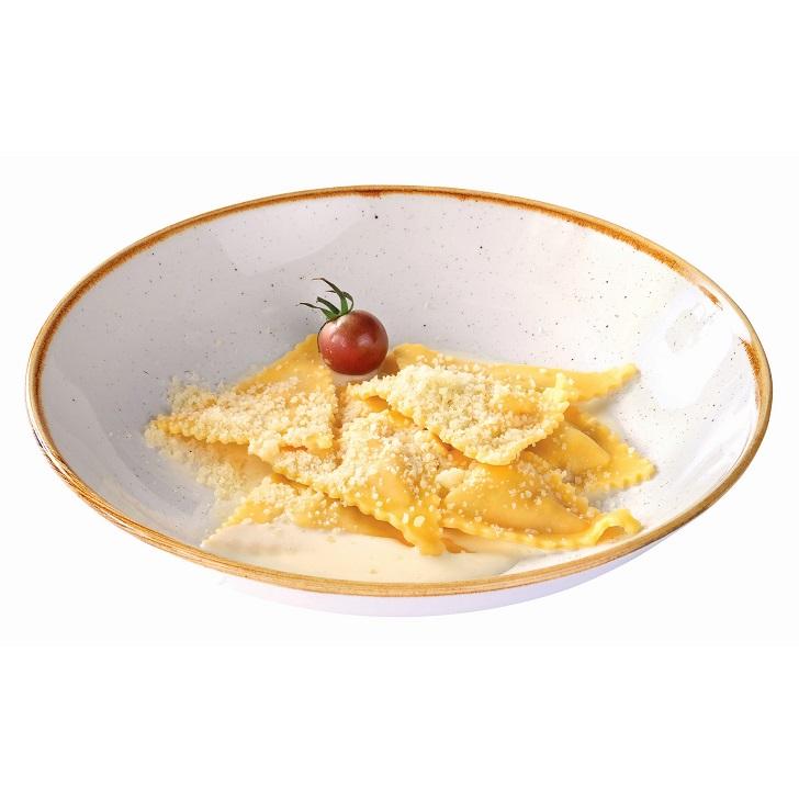 Ravioli ar vistas gaļas pildījumu un siera mērcīti