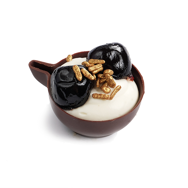 Chocolate cup with lime cream and Amarone cherries
