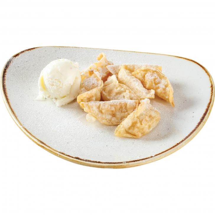 WON- TON dumplings with apple filling and vanilla sauce