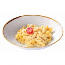 Pasta with Mozzarella cheese sauce