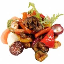 Моцарелла с томатами и овощами маринованными в бальзамике