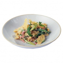 Carbonara pasta with ham and asparagus