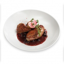 Duck breast with black currant sauce