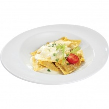 Ravioli stuffed with chicken in creamy mozzarella sauce