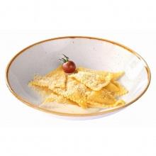 Равиоли с курицей и сырным соусом